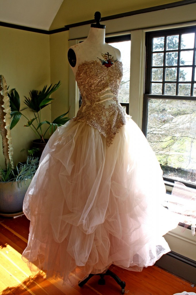 I want to make this for Thrift shop wedding dresses