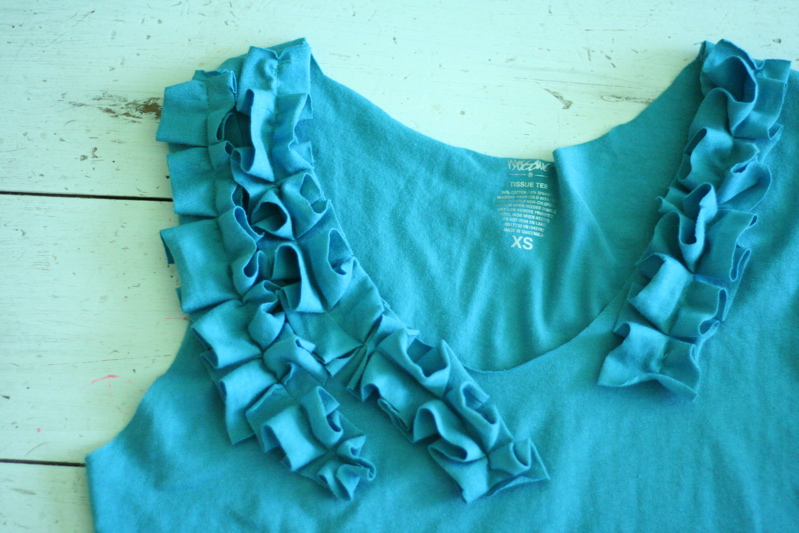 upcycling a t shirt into a tank top. Black Bedroom Furniture Sets. Home Design Ideas